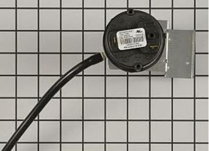 Picture of Carrier Bryant Payne Furnace PRESSURE SWITCH - Part# HK06WC069